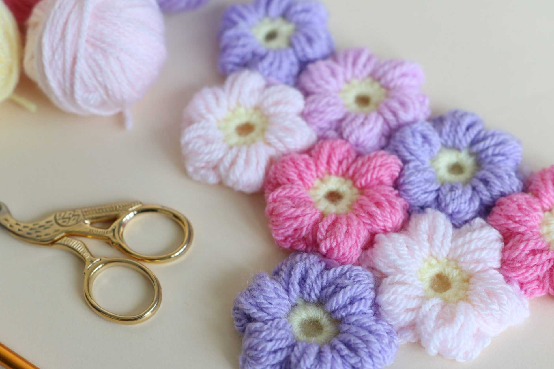 Puff Flower Free pattern